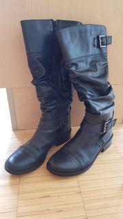 Wunderschöne Damen Lederstiefel in schwarz -