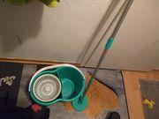 Putzeimer mit mop