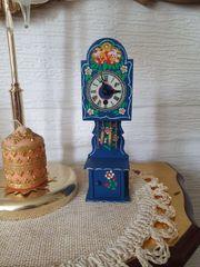 Uhr Puppenhaus