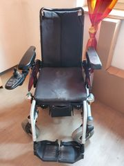 Elektro-Rollstuhl