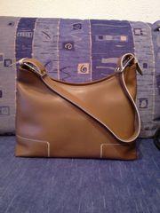 Tasche in Jackie Onassis Stil