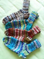 selbstgestrickte handgestrickte Socken