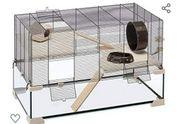 Hamsterkäfig mit Glasunterteil