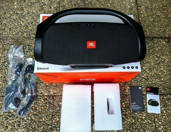 JBL Boombox Schwarz neuwertig mit OVP