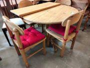 Estisch mit 4 Stühlen 110-150 erweiterbar