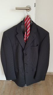 Anzug mit Seidenkrawatte Größe 98