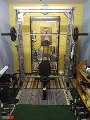 Bodybuilding Geräte aus Studio