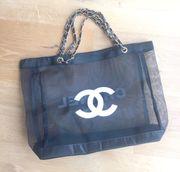 Chanel VIP Gift Shopper