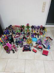 Monsterhigh 39 Puppen und viel