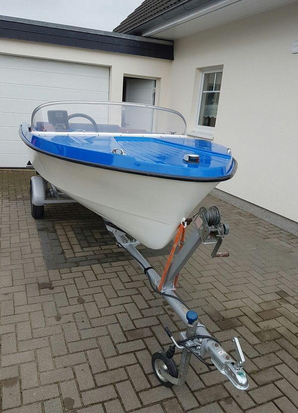 Angelboot Motorboot Boot Freizeitboot