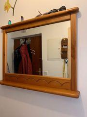 Spiegel mit Kommode