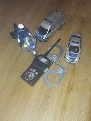 Polizei Auto mit Handschellen