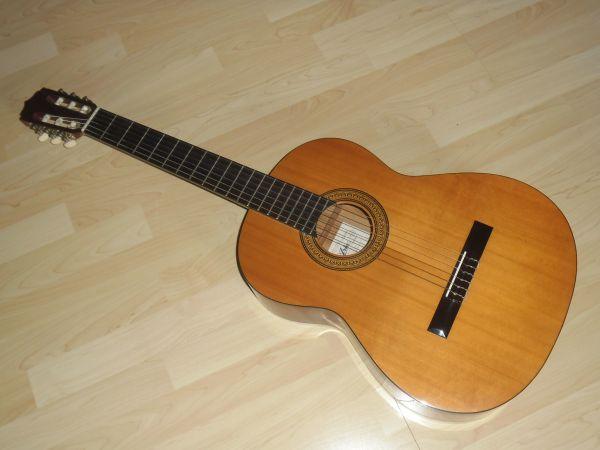 Gitarre Konzertgitarre