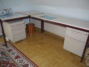 Schreibtisch für s moderne Büro