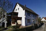 Einfamilienhaus mit Schreiner-Werkstatt und Nebengebäuden