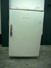 kleiner Bosch-Kühlschrank m Schnappgriff 50er-