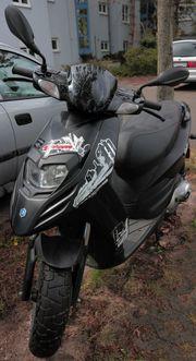 verkaufe gut erhaltenen Motorroller PIAGGIO