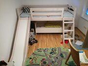 Kinderhochbett aus Vollholz und ein