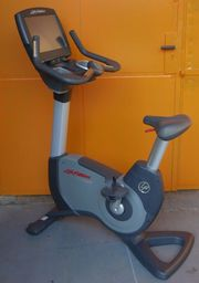 Life Fitness 95C Engage Upright