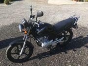 Yamaha Leichtmotorrad YBR125