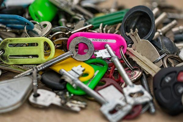 Schließzylinder für Ihr Zuhause, Vermietung oder Gerwerbe - München Obergiesing - Es gibt viele Möglichkeiten, Ihr Eigentum nur mit einem Schlüssel zu schützen! Wir unterstützen Sie bei der Auswahl der richtigen Schließsystem. Hierzu zählen z.B.: Sie könne Ihre Türe nicht öffnen, wenn von innen ein Schl