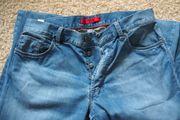 Hugo Boss Jeans mit Knöpfen