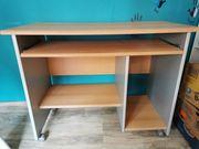 Neuwertiger PC-Tisch Schreibtisch auf Rollen