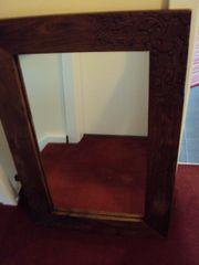 Schöner Holzspiegel