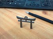 Schlüsselanhänger Torii Shinto Schrein Buddha