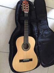 Gitarre 3 4 der Marke