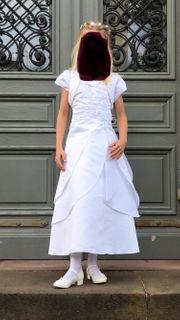 Wunderschönes Kommunionskleid mit Zubehör