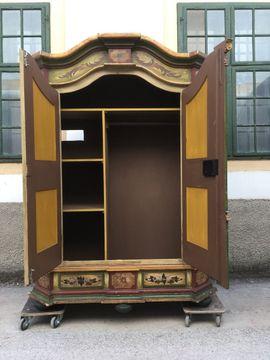 Garderobe, Flur, Keller - Hinreißender Bauernschrank bemalt Garderobe Möbel