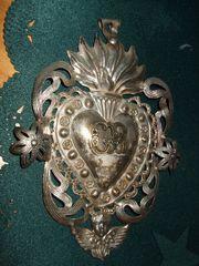 Antiquität flammendes Herz