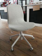 Stuhl Schreibtischstuhl mit Rollen neuwertig