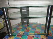 Fernseh- oder Radio-Tisch mit 3