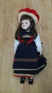 Porzellan Puppe in Schwarzwaldtracht