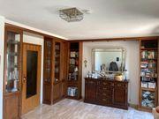 Wohnzimmerschrank beleuchtet mit KOmmode