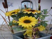 Kunstblumen Gesteck im Goldenen Topf