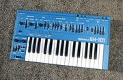 Roland SH 101 Synthesizer