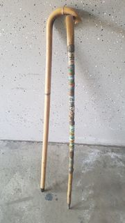 2 Spazierstöcke aus Holz Antik