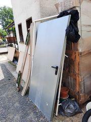 Verkaufe Bau Türe mit einbaurahmen