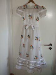 BLUMEN - Hochzeitskleid mit einzigartigen Stickereien -