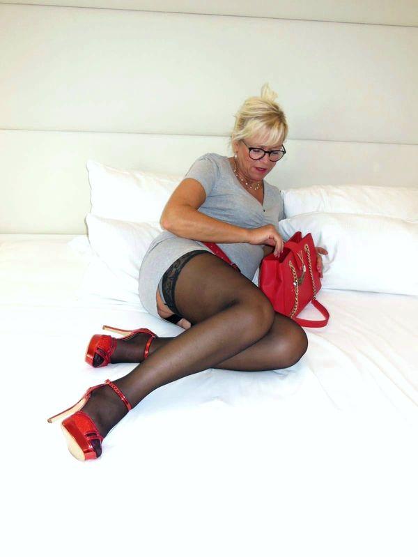 Echte Deutsche Hausfrau Diana 55