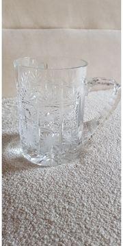 Bierkrug aus Glas geschliffen