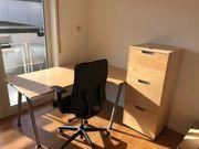 Sehr schöne Büroecke Schreibtisch und