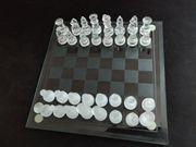 Schach aus Glas