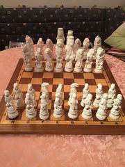 Terakotta Schachfiguren