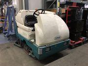 Tennant 7300 Industrielle Aufsitz-Scheuersaugmaschine