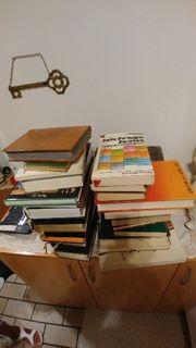 Wertvolle Bibeln und Bücher