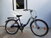 Neuwertige Fahrräder
